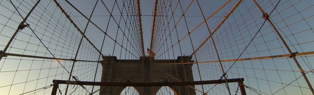 Crossing the Brooklyn Bridge is one of the highlights of a New York Fahrrad Tour, walking or sight running tour!
